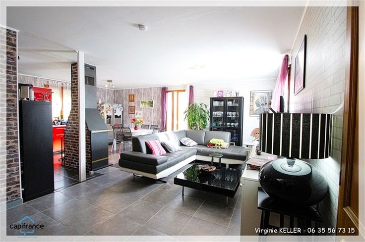Jolie maison à vendre chez Capifrance à Saverne.    Idéale première acquisition : 78 m², 5 pièces, 2 chambres, terrain de 1347 m².    Plus d'infos > Virginie Keller, conseillère immobilier Capifrance.