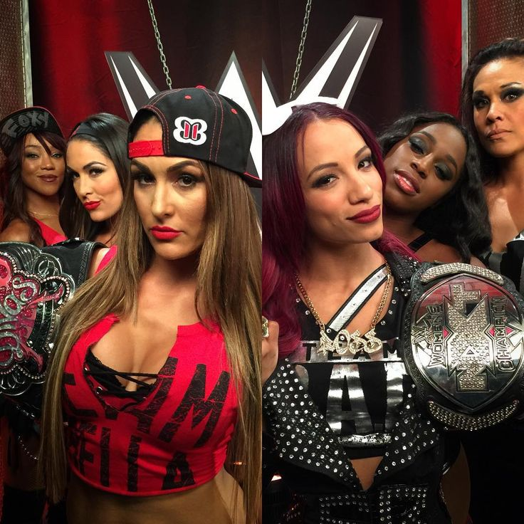 Team Bella (Alicia Fox, Brie and Nikki Bella) and Team B.A.D. (Sasha Banks, Naomi and Tamina Snuka)