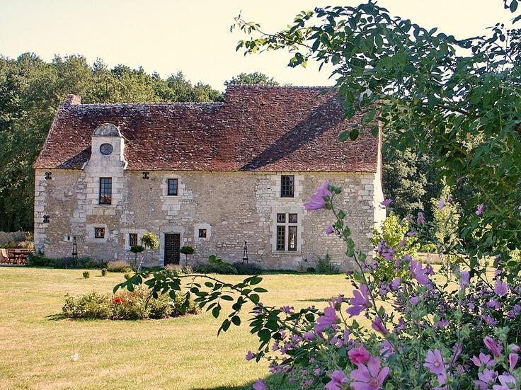 Succumb to the charm of this wonderfull gîte for 8 people in Orbigny. A dream place ideall to relax and discover the Chateaux de la Loire.  < Succombez au charme de ce magnifique gite de 8 personnes à Orbigny. Un lieu de rêve pour la détente et la découverte des châteaux de la Loire (Indre-et-Loire) >