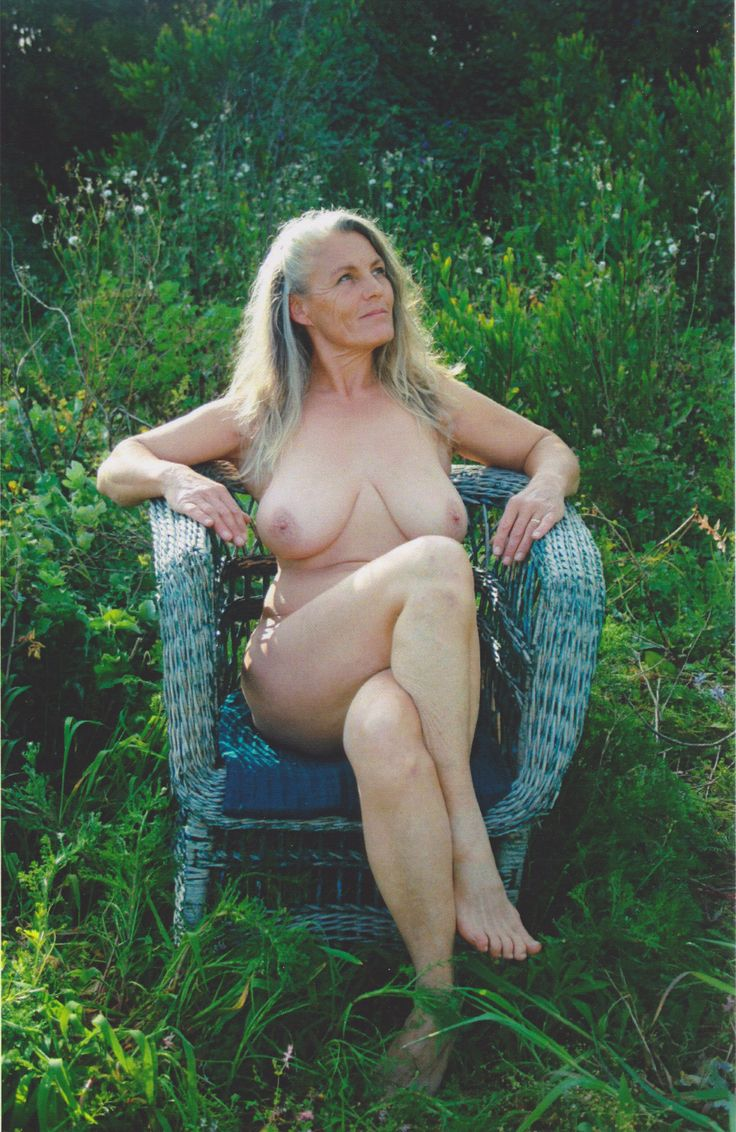Mature Sex  Older Women Gardening Naked-1049