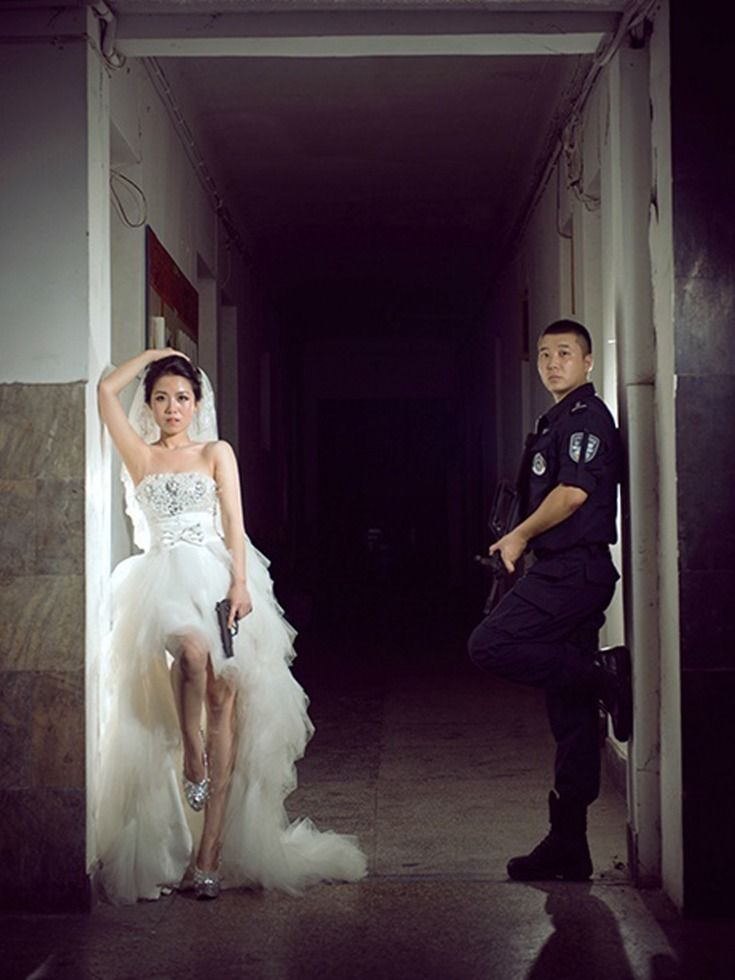 """Chinese SWAT officer unable to get time off 24 hr shift to take wedding photos. Studio comes to his station instead. - Imgur"""