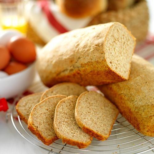 Grova, tunga bröd som skärs i tunna skivor.