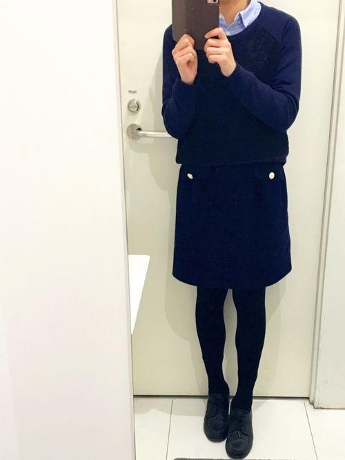 シャツスタイルʕ•ᴥ•ʔ ネイビーコーデ スエットだけど黒のレースかわいい♡ 台形スカート何にでも合