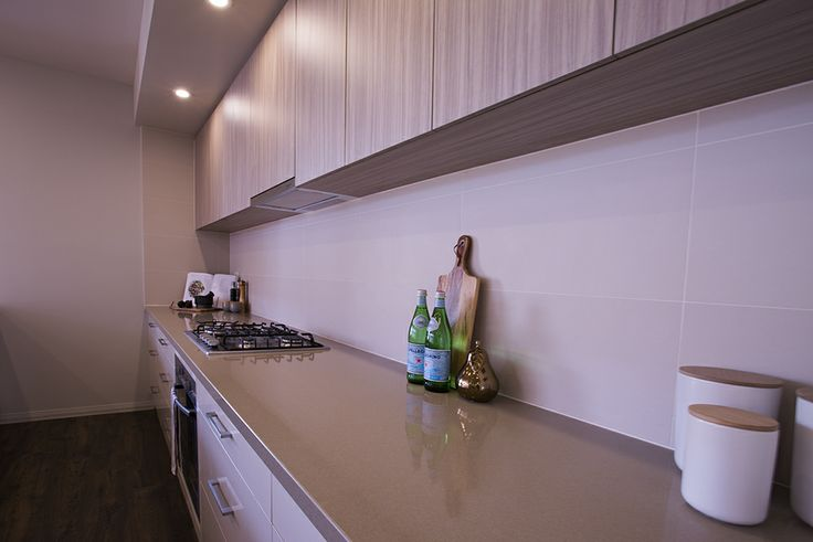 This gourmet kitchen has ample bench space to make cooking truly a joy. #weeksbuilding #kitchen