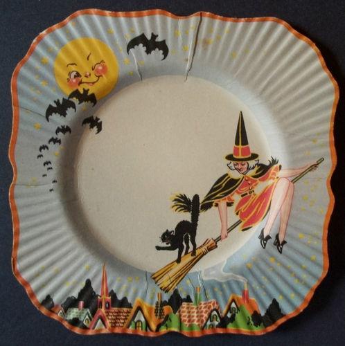 NEAR-MINT-1930S-ART-DECO-Vintage-BROOMED-WITCH-CAT-MOON-BATS-Halloween-PLATE