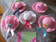 Ravelry: mini hats UK pattern by Maria Costa