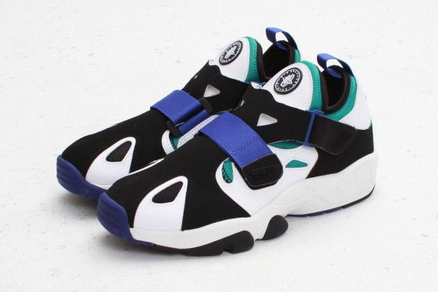 I remember wanting these when I was a kid! - Nike Air Trainer Huarache 94 – White/Lapis
