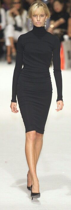 Executive suite - boss lady....Karolina Kurkova DOLCE & GABBANA | La Beℓℓe ℳystère This look is TIMELESS