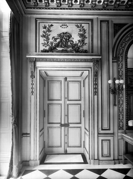 Porte de la salle manger h tel de cavoye salle salle manger et portes - Porte salle a manger ...