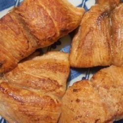 Pan-fried salmon steaks