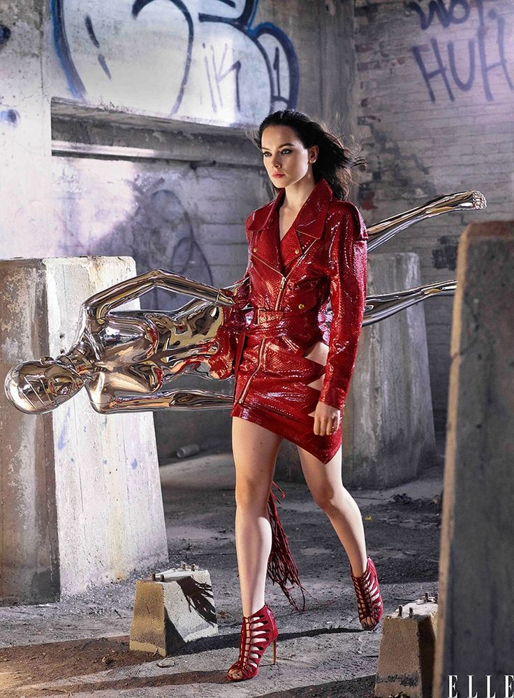Daisy Ridley wears dress and sandals for ELLE Magazine December 2015 Photoshoot