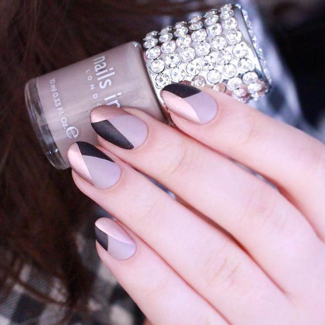 Elegant Nails Designs for Women in Business ★ See more: https://naildesignsjournal.com/elegant-nails-office-designs/ #nails