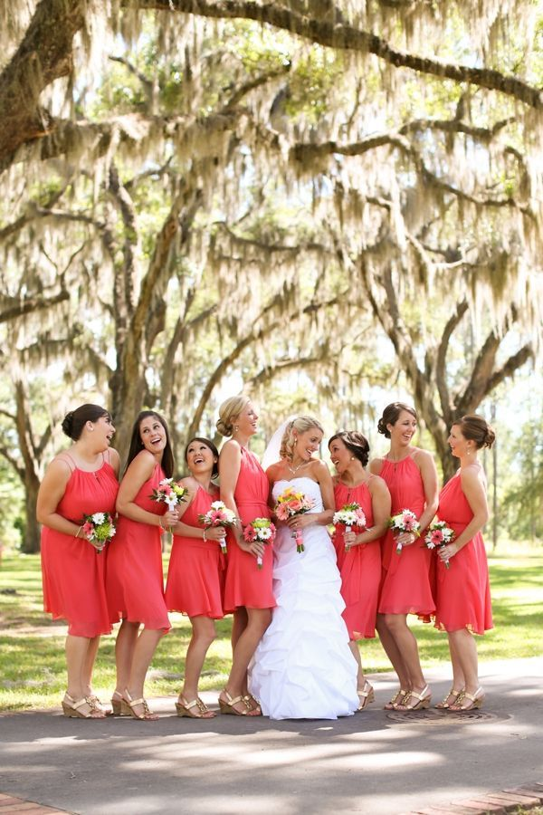 20 Coral Bridesmaid Dresses see more : https://www.fabmood.com/20-coral-bridesmaid-dresses/ Coral bridesmaids: