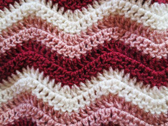 17 meilleures id es propos de couverture chevron sur pinterest chevrons au crochet crochet. Black Bedroom Furniture Sets. Home Design Ideas