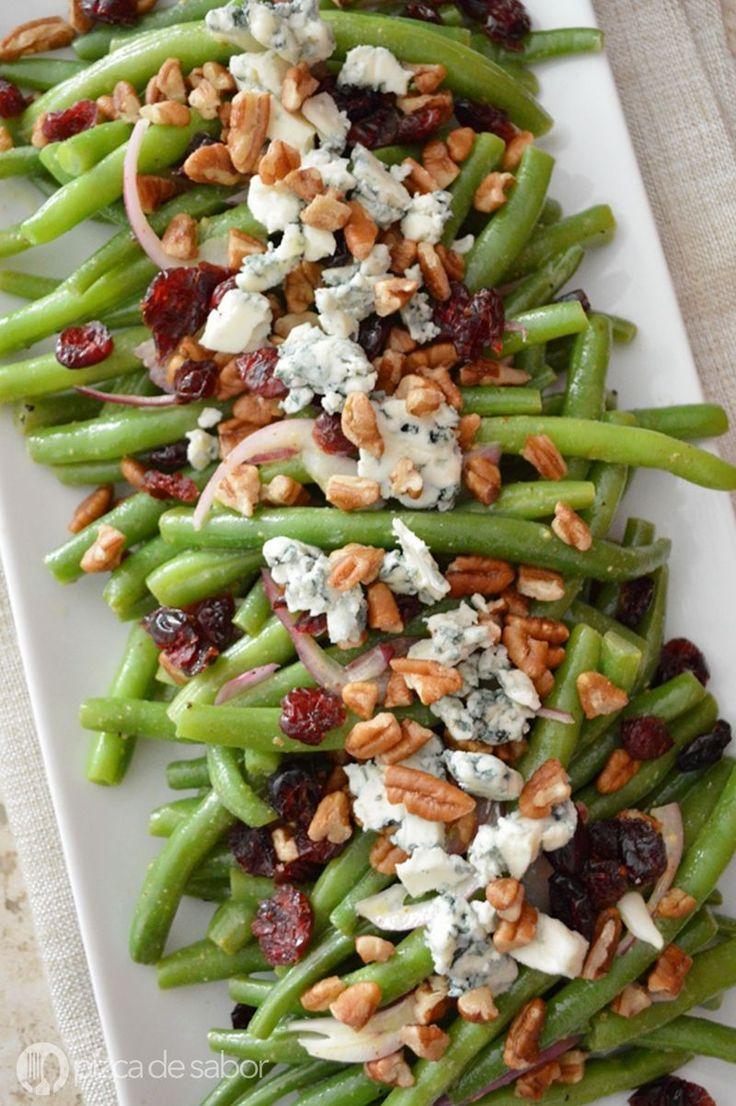 Ensalada de ejotes con arándanos, nuez y queso azul www.pizcadesabor.com
