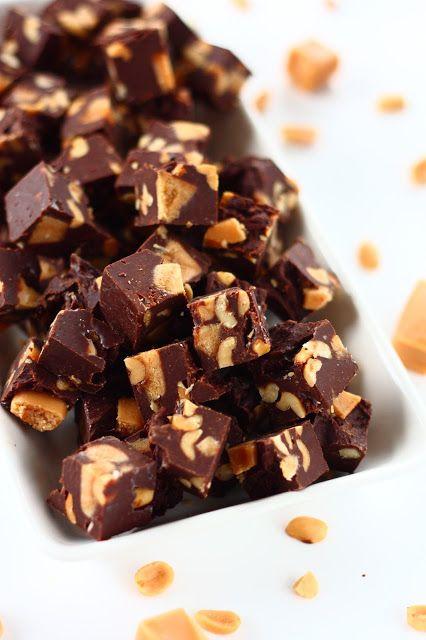 Suklaapossu: Helpot pähkinä-suklaafudget kermakarkkisattumilla