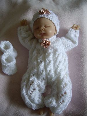 """HAND KNITTED DOLLS CLOTHES FOR 10-11"""" REBORN-OOAK BABY"""