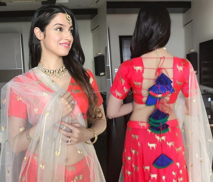 Dhivya Khosla Kumar in Red Skirt, Celebrities in Red Skirt and Crop Tops, Divya Khosl Kumar Kaurva Chauth Dress 2016.
