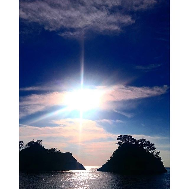 【ayatonmdjp】さんのInstagramをピンしています。 《#静岡県 #堂ヶ島 #青空 #西伊豆#今日空 #青空 #太陽 #海 #駿河湾  #japan#love #shizuoka #izu #dougashima #sky#bluesky #cloud#goodtoday》