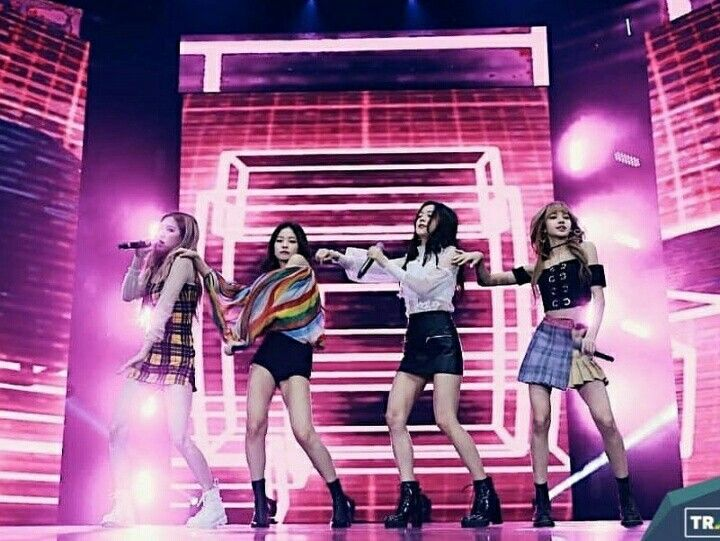 Beauty Blackpink X Shoope In Indonesia Di 2020 Black Pink Indonesia