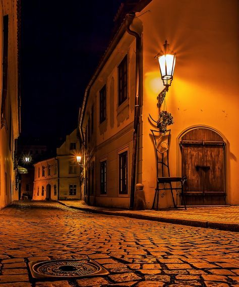 Prague by night | The Lightorialist - Prague Golden Street