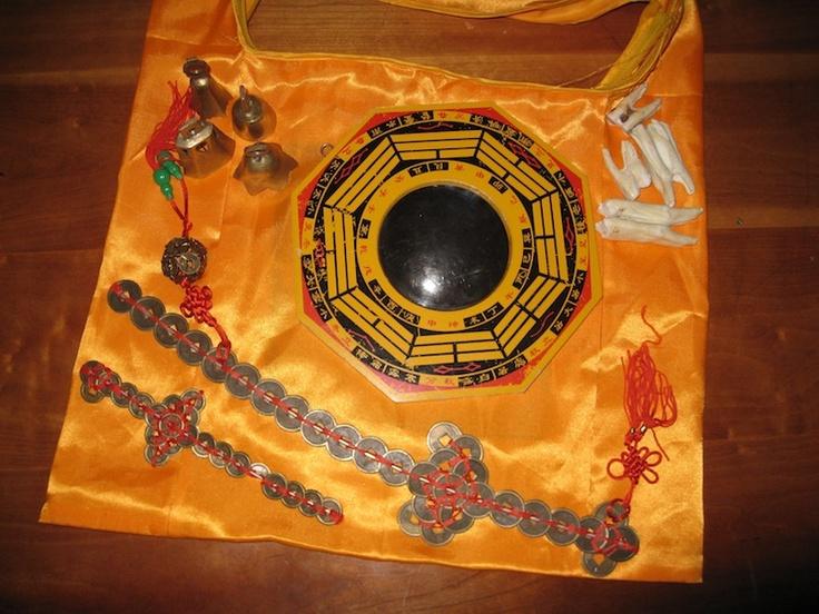 Celeste's ghost hunting equipment mingshen mirror, coin
