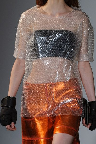 MM6, Maison Martin Margiela Fall 2014 | Looks like bubble wrap
