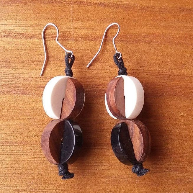 Marimekko Finland Nauru Earrings Black and White Resin Brown Rosewood #Marimekko