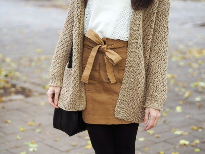 Fall look, camel skirt - Pink Pepper Paradise fashion blog from Vienna by a Hungarian girl