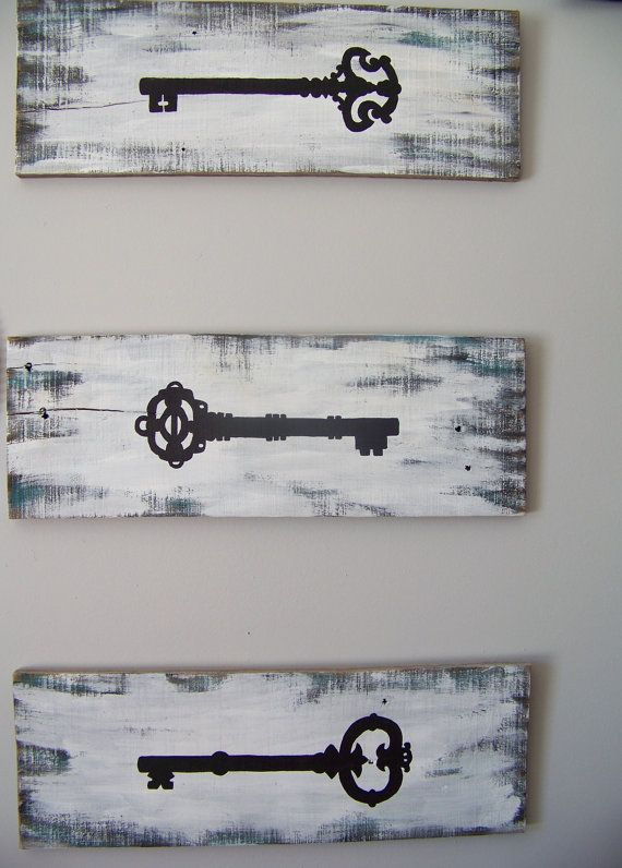 Hey, I found this really awesome Etsy listing at https://www.etsy.com/listing/178342070/reclaimed-pallet-wood-skeleton-key-3