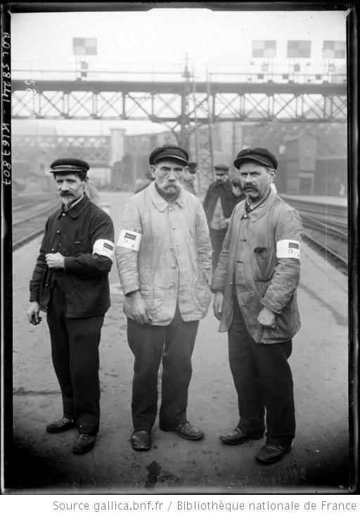 Grève des cheminots à la gare St Lazare, 1920. Paris