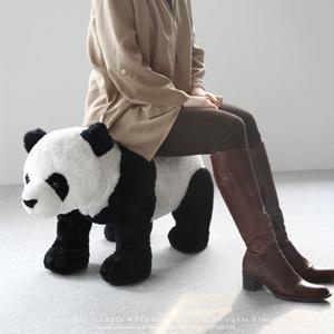 panda chair, Tyra would love this: Theme Rooms, Black And White, Seasons, Pandas Chairs, Pandas Nurseries Theme, Boys Rooms, Pandas 3, Pandas Rooms, Pandas Stools