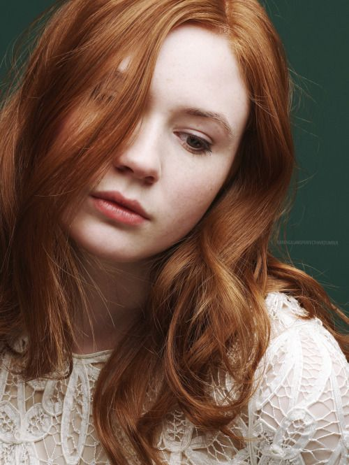 Gorgeous redhead doctor — pic 6