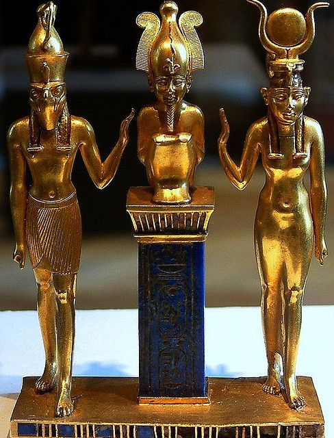 Egyptian Louvre Pendant. Triad of #Osorkon (Isis, Osiris, and Horus). Gold and lapis lazuli figures, H: 9 cm. 10th-6th BCE, 22nd Dynasty (874-850 BCE)