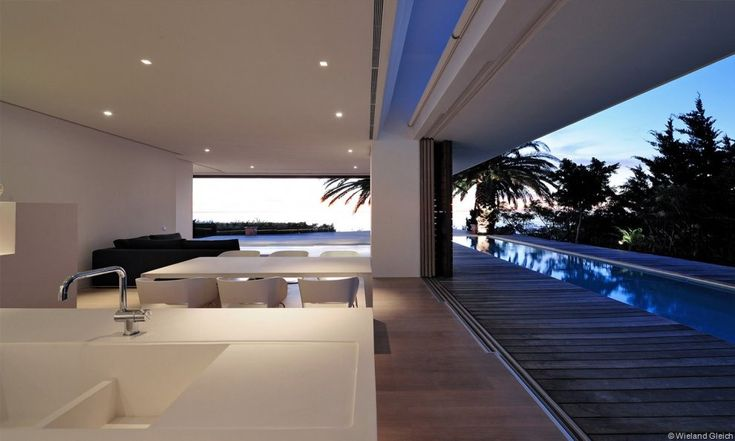 Open House Camps Bay in Cape Town by Luis Mira Architects _