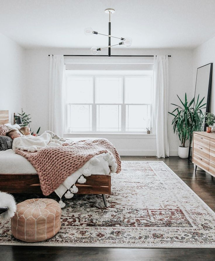 Bedroom, neutral tones, chunky knit blanket Amy Peters
