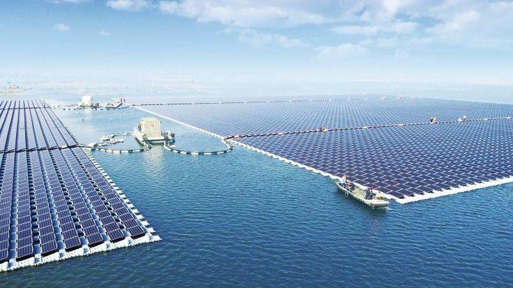 China ha conectado a su red eléctrica la planta solar flotante más grande del mundo. Se construyó sobre un lago creado por el derrumbe de una antigua mina de carbón —un claro caso de justicia poética—, y ya genera 40 megavatios al día para abastecer a unas 28.000 personas.