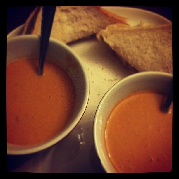 Michelle Hayward Photography - Hangin' with the Haywards... Heinz Organic Tomato Soup while I take a break from writing!