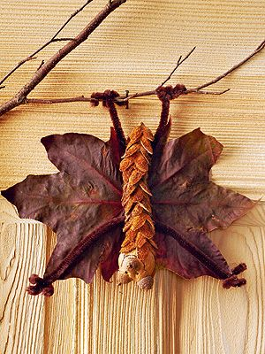 bat crafts from scroll / Fledermaus aus Naturmaterialien basteln