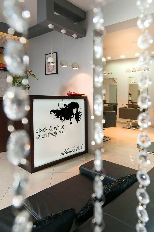 Black & White. Salon fryzjerski