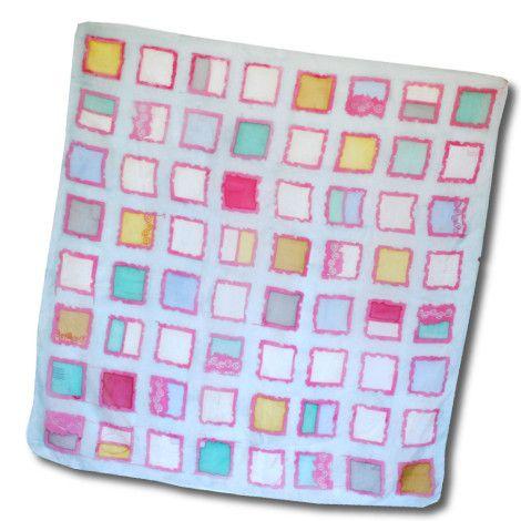 Štýlová šatka ŠTVORCE z kvalitného hodvábu s ľahko psychedelickým vzorom pripomínajúcim farebné štvorce. http://bit.ly/SFpmnm