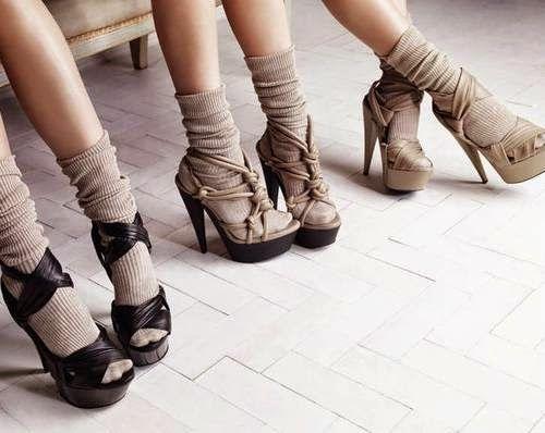 10 BELLESALUD: TENDENCIAS : ZAPATOS CON CALCETINES CORTOS. Vídeo zapatos con calcetas...