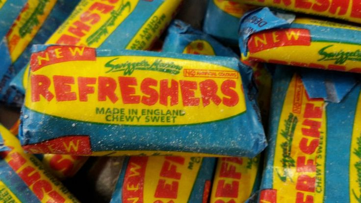 Swizzels matlow refreshers fruit flavour chewy sweet with a sherbet centre from 100gram/1kilo