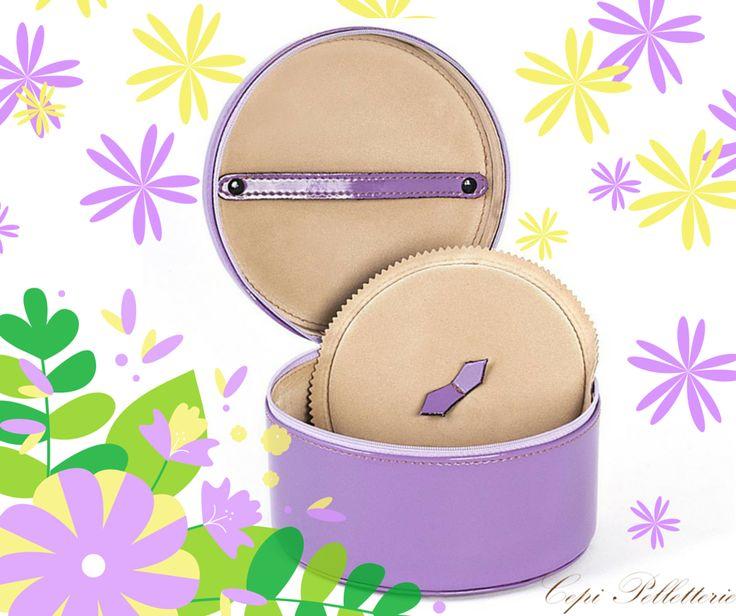 La #primavera porta gioie!  #Portagioie #Pelletteria #gioielli #lilla #lilac #jewelbox #jewels #leather #LeatherGoods #CepiPelletterie #MadeInItaly