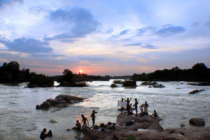 """Photo """"SunriseOnTheBanksOfBetwaRiver,Orchha(India)(7130)New1"""" by arunkhanna7318"""
