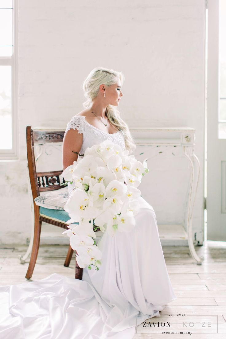 White orchid bride bouquet, Luxury Rustic Wedding, Orchids, roses and Proteas, luxury wedding planner South Africa, Zavion Kotze