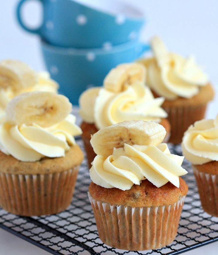 my bare cupboard: The most fabulous banana cupcakes ( with cream cheese frosting )