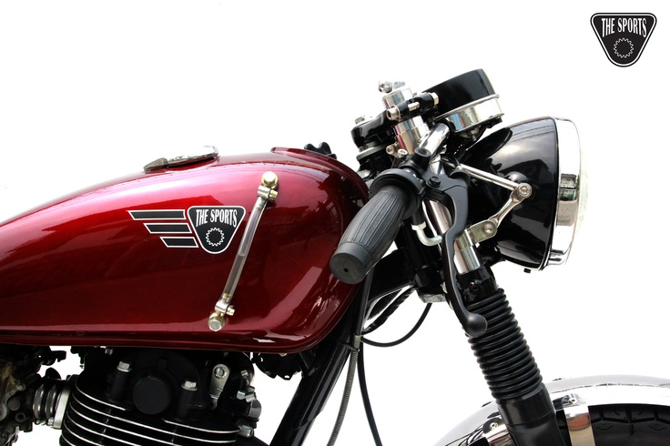 SR400 Cafe Racer - By The Sports