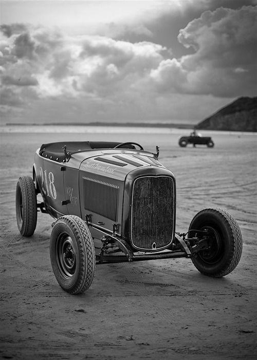 Hot rod on the beach