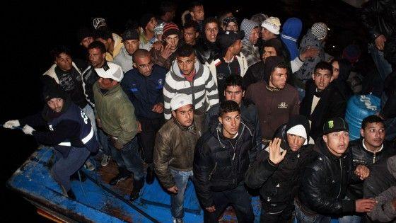Immigrazione, Senato approva la cancellazione del reato di clandestinità e lo trasforma in reato amministrativo
